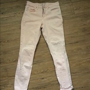 Universal thread high waisted jeans in pink